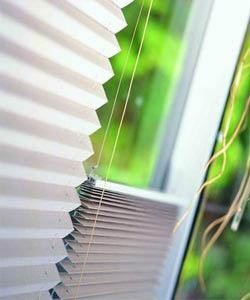 Жалюзи плиссе отлично украсят окна любой формы.  Эти замечательные шторы прекрасно оформляют не только традиционные...