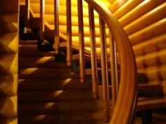 Деревянные лестницы с поворотом