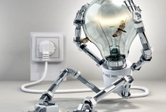 В каких ситуациях необходимо пригласить домой электрика?