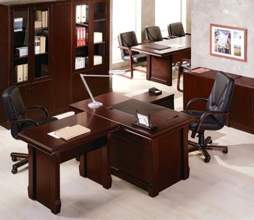 Стильный кабинет современного руководителя