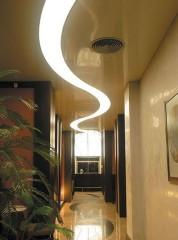 Монтаж натяжных потолков с подсветкой