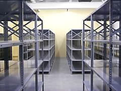 Покупаем металлические стеллажи для склада