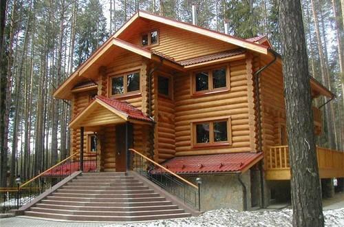 При строительстве деревянного дома