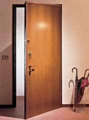Выбираем входную дверь