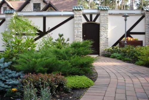 озеленение загородного дома