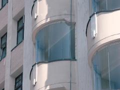 Balcony glazing without frames