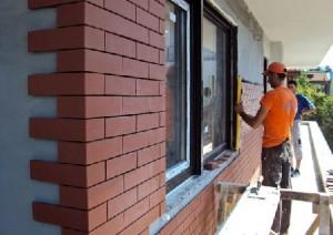 Clay facade tiles