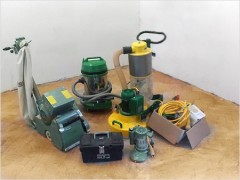 Equipment for grinding parquet