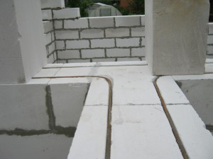Extension to the house of foam blocks