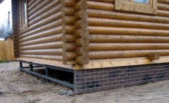 Insulation screw foundation on stilts