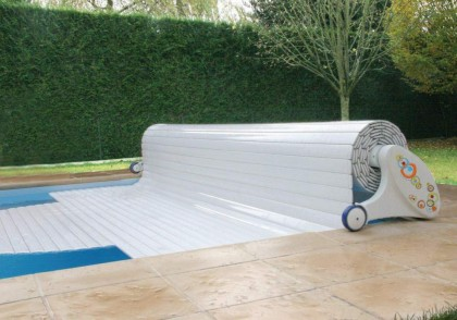 Protective blinds for pools