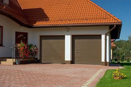 Секционные гаражные ворота для загородного дома