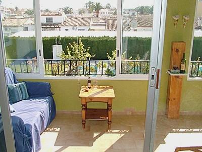 Отделка балкона одинаково важна как внутренняя, так и внешняя