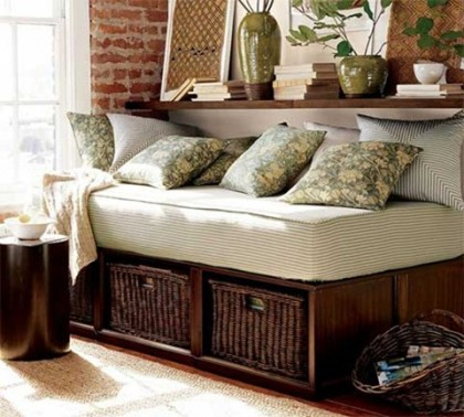 country-cottage-decor-bed