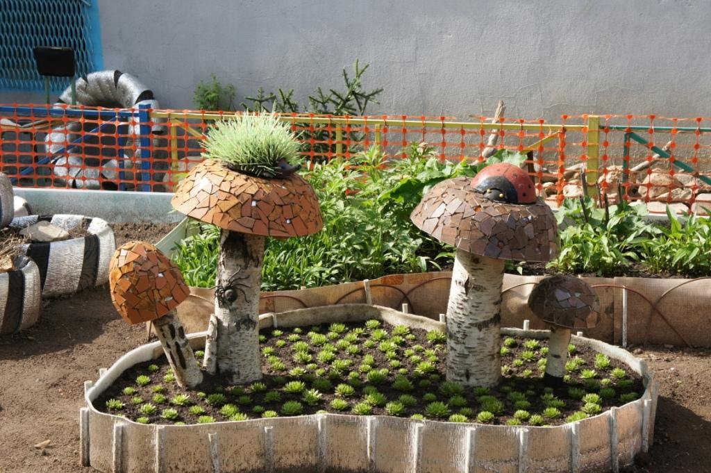 Поделки для сада и огорода из подручного материала для