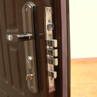 metal door3
