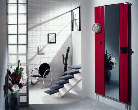 Основным декором квартиры может стать зеркало необычной формы