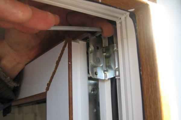 Снятие балконной двери.