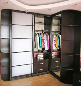Угловые шкафы-купе и их особенности